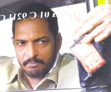 Nana Patekar in Taxi No 9211