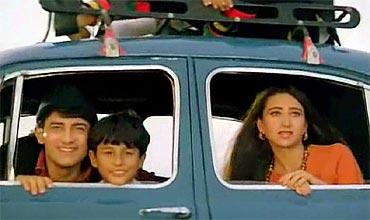 Aamir Khan, Kunal Khemu and Karisma Kapoor in Raja Hindustani
