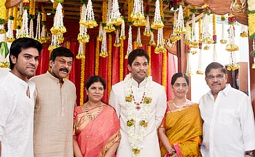 Chiranjeevi's son Ram Charan Tej, Chiranjeevi, his wife Surekha, Arjun, and his parents